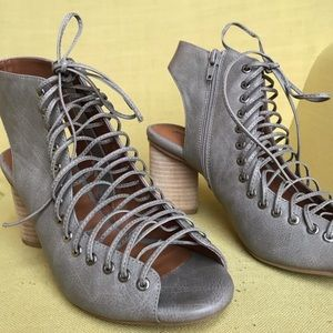 Jeffery Campbell Lace Up Cours Booties Taupe Grey